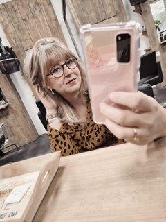 Kelly selfie